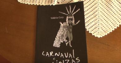Valéria Cury lança seu primeiro livro, Carnaval e Cinzas