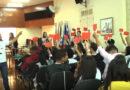 Jovens se reúnem na câmara para plenária regional do Parlamento Jovem