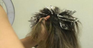 Dia do cabeleireiro, profissionais da área relatam que o fluxo de clientes está reduzido