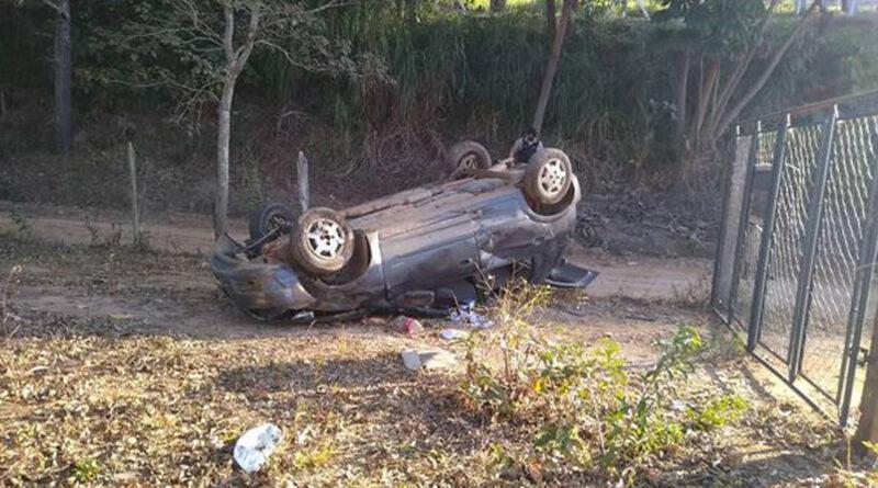 Vítima de acidente na BR 491 é resgatada pelos bombeiros de Guaxupé